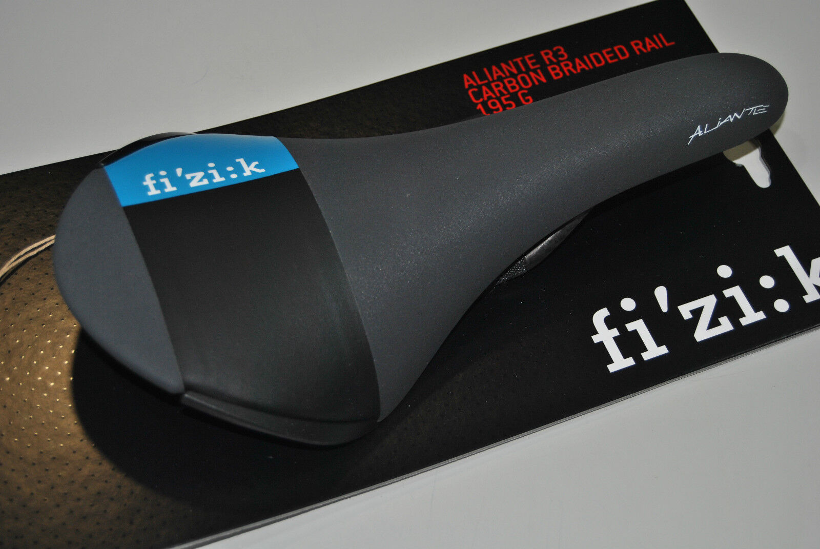 Selle FIZIK Mod.ALIANTE R3 tressé Carbone black blue SADDLE aliante R3 VOITURE