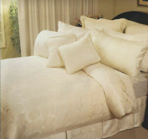 Illusions-Ivory-Duvet-Doona-Quilt-Cover-Set-Jacquard-Bedding-King