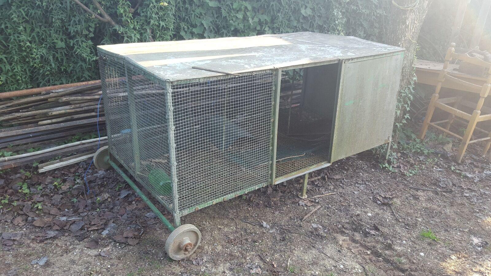 gabbia box per animali in acciaio con ruote