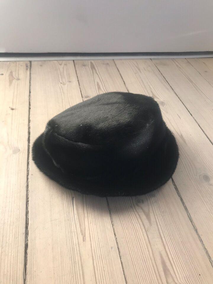 Hat, Hat af sælskind, Sælskind