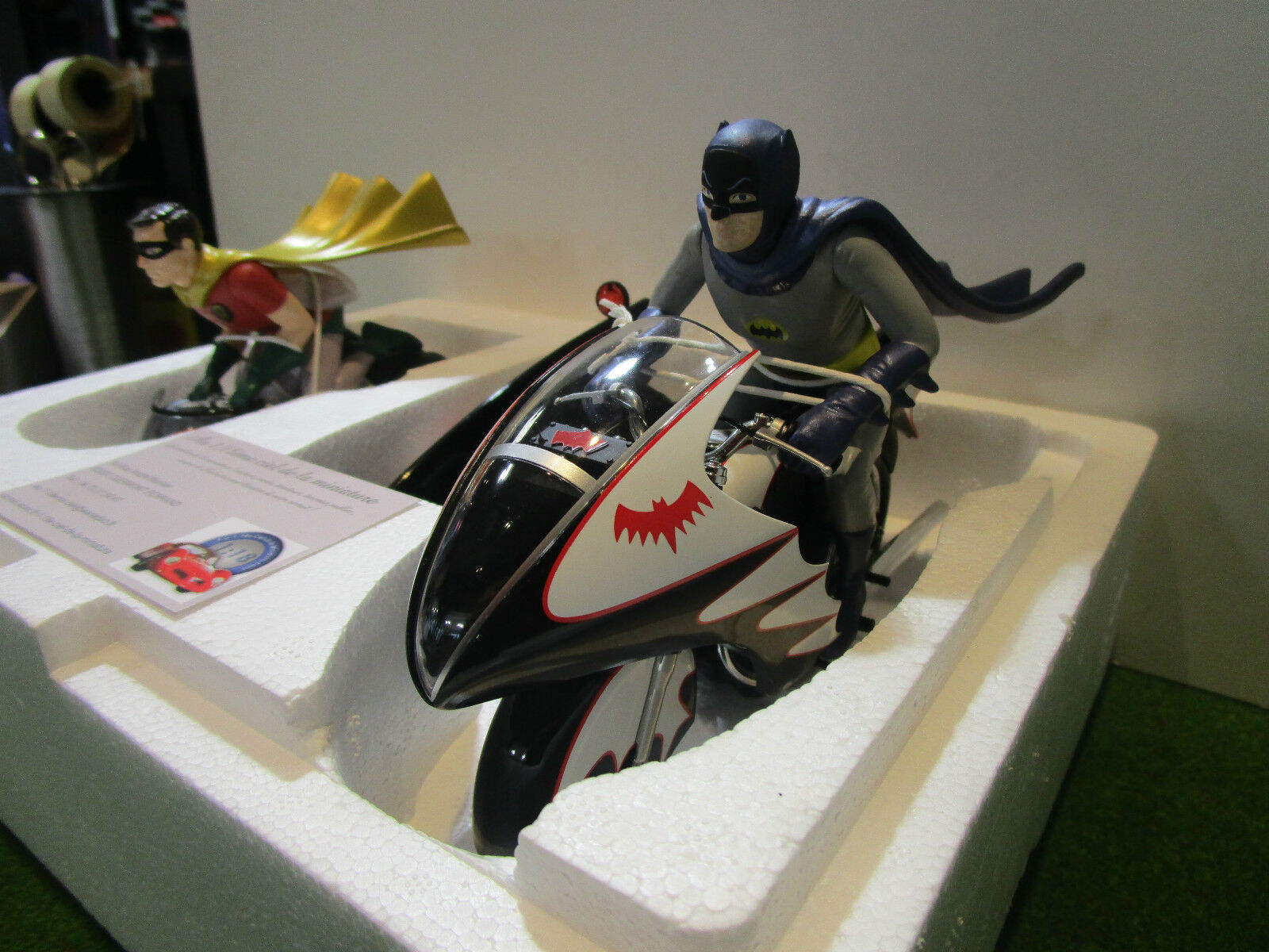BATCYCLE BATMAN moto + FIGURINES 1 12 HOT WHEELS ELITE CMC85 miniature collectio