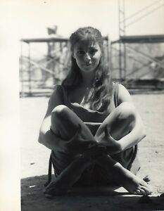 Anna-Maria-Pier-Angeli-1962-suite-de-3-photographies-originales