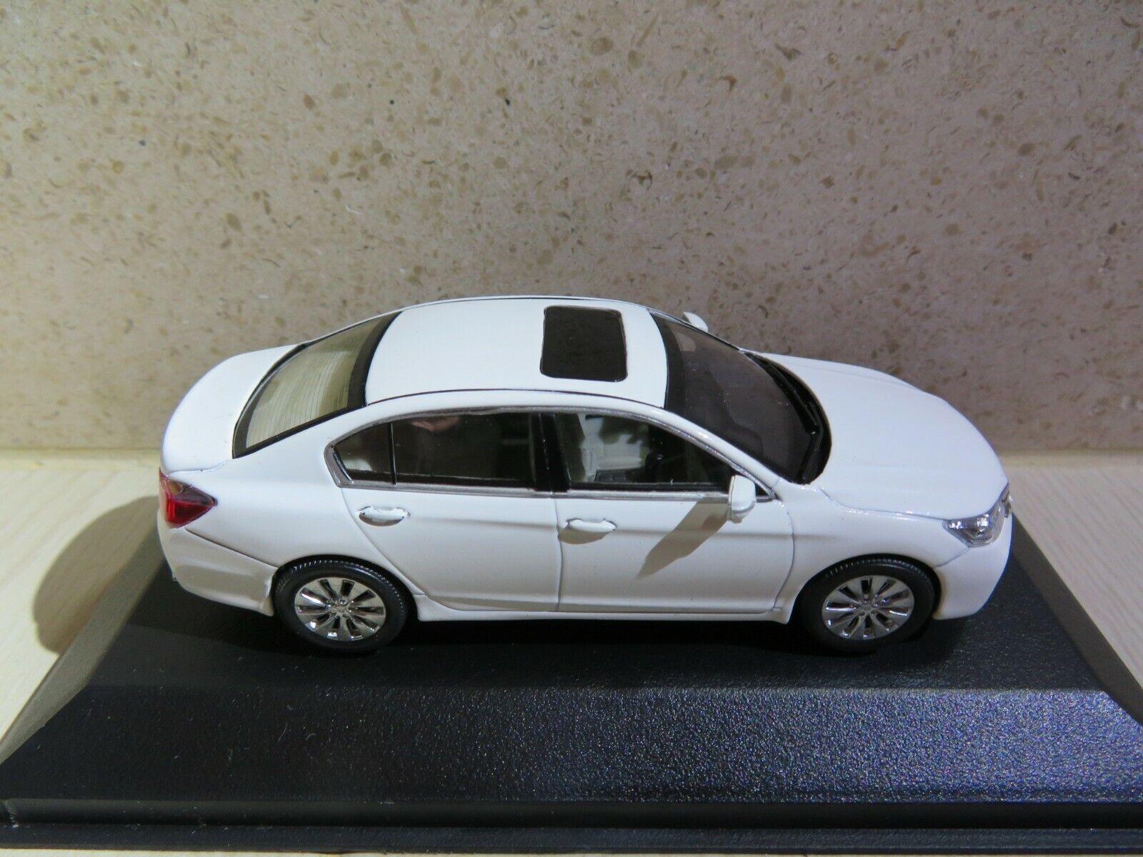 1:43 2017 HONDA ACCORD SEDAN DARK BLUE LHD DIECAST CARS DEALER BOX