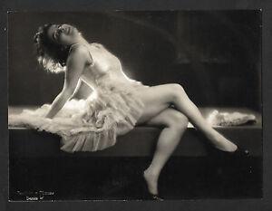 BERLIN MAAS & BECKER - Photographie portrait de femme Actrice Danseuse vers 1920 - France - Thme: Portrait, Personnage Couleur: Noir et blanc Période: De 1900 1939 Authenticité: Tirage original Origine: berlin - France