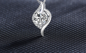 Lucky Winding Pendant 925 sterling silver necklace chain Women jewellery Gifts