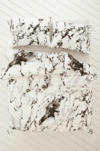 Single Urban Outfitters Marble Print Duvet Cover Set Black//White Mix RRP £30