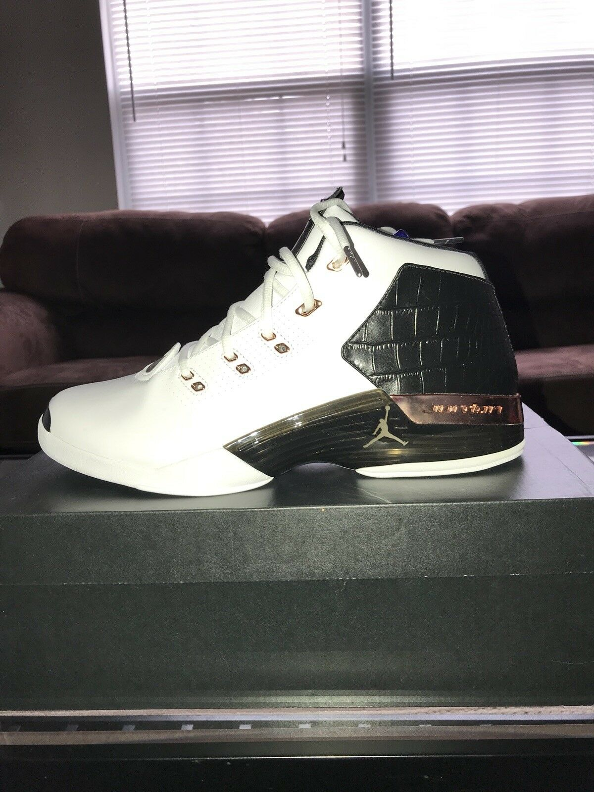 Nike Air Jordan 17+ Retro Mens Size White Black Metallic Copper New 832816 122