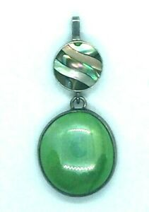 Vintage-Sterling-Silver-Pendant-Green-Stone-Signed-Abalone-Inlay-Dangle-Oval-925