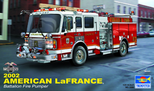 Trumpeter 1 25 Scale  American LaFrance 2002 Batcalion Kit 02506