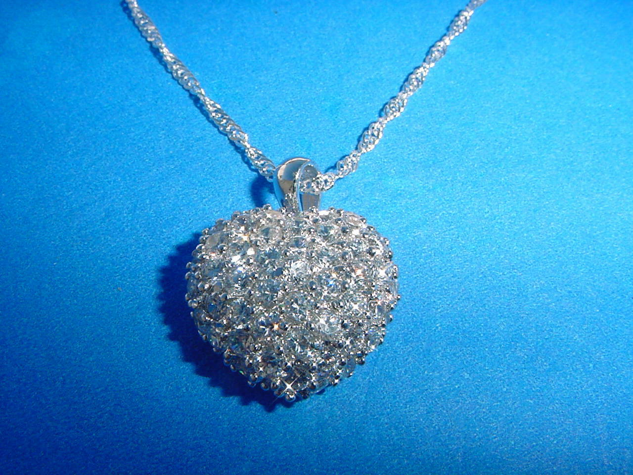 Beautiful Swarovski Crystal Heart Pendant with Chain