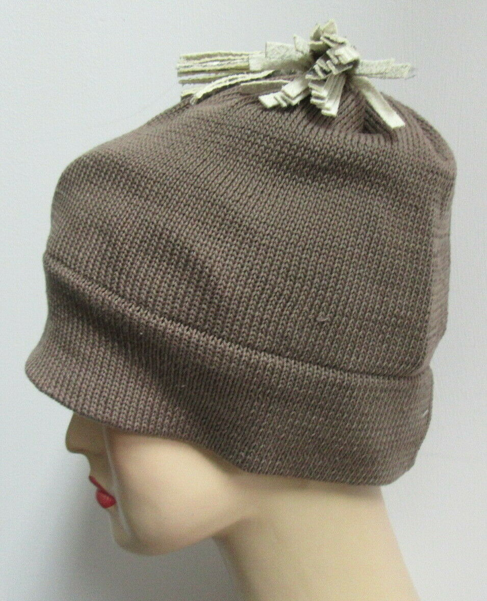 PATRICIA UNDERWOOD KNITS taupe beanie hat with ta… - image 3