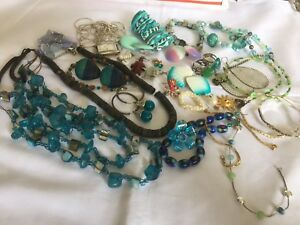 Lot-of-Vintage-to-now-Costume-Jewelry-Wear-Repair-Resell-lot-2