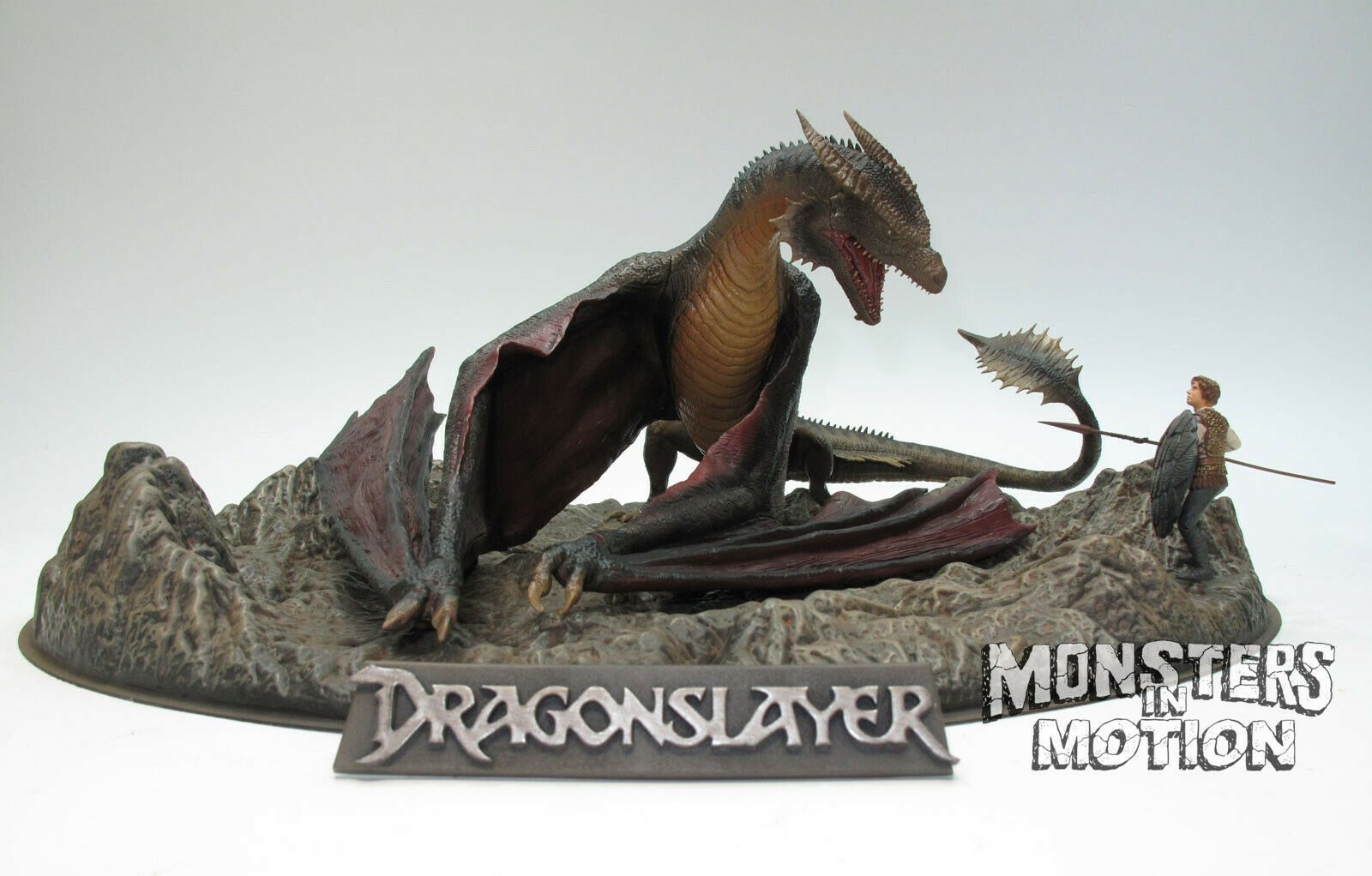 Dragonslayer 1 32 Scale Vermithrax Dragon Diorama Statue SEALED BOX 221PG02