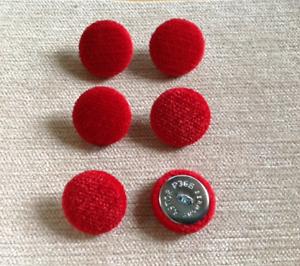 rouge Chenille Velours 36L//23mm rouge recouvert de tissu boutons recouverts Craft