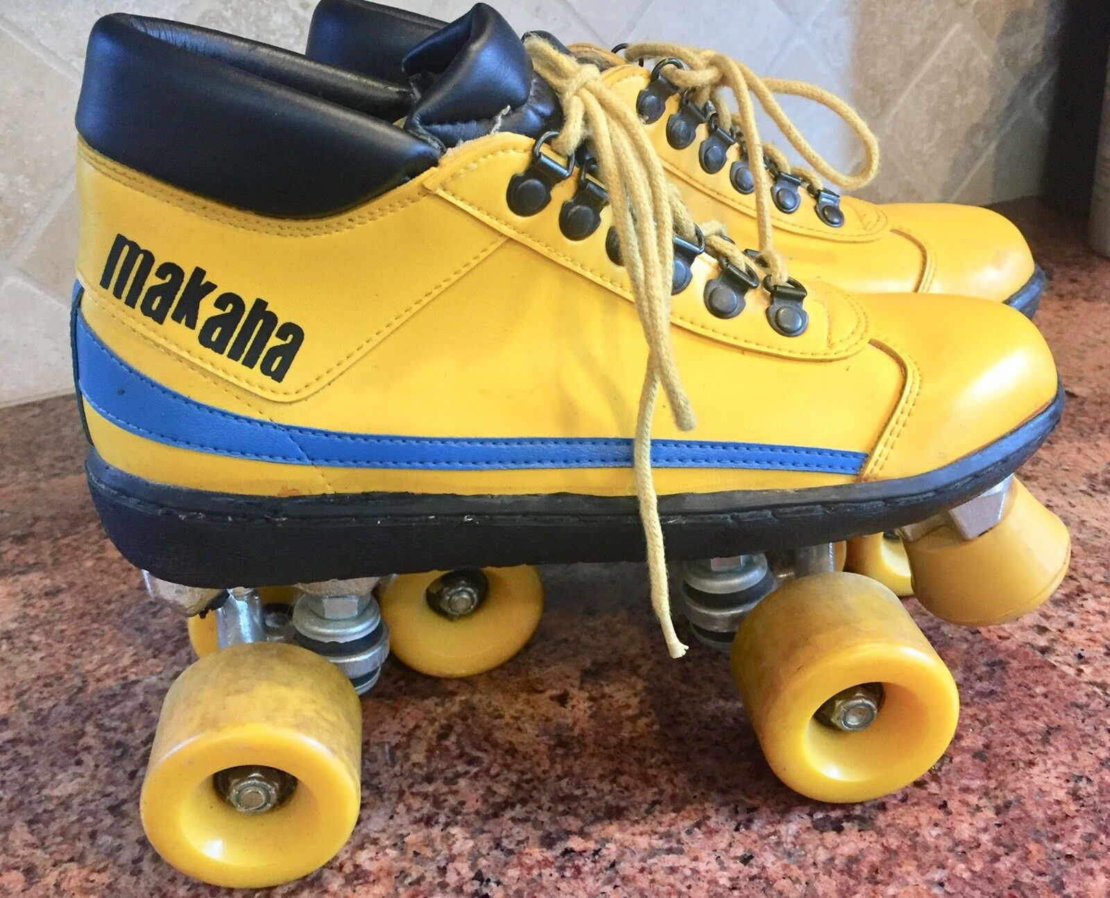 MAKAHA Roller S s Rare Vintage 1970 Mens  Sz 6 shoes Roller Derby Yellow MINT  official authorization