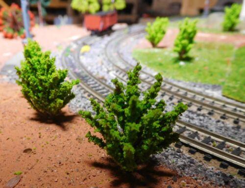 10 hellgrüne Büsche 40 mm hoch