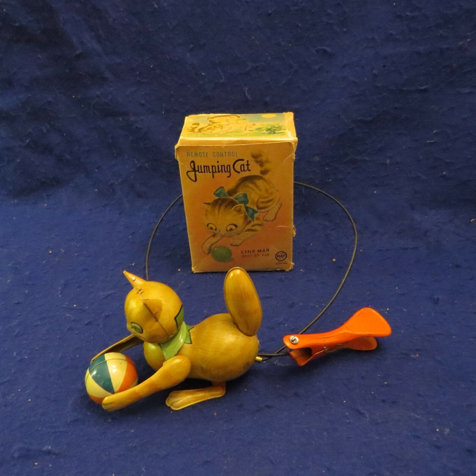 Vintage Tin Litho Metal Jumping Cat w  remote remote by Line Mar Toys in Original Box