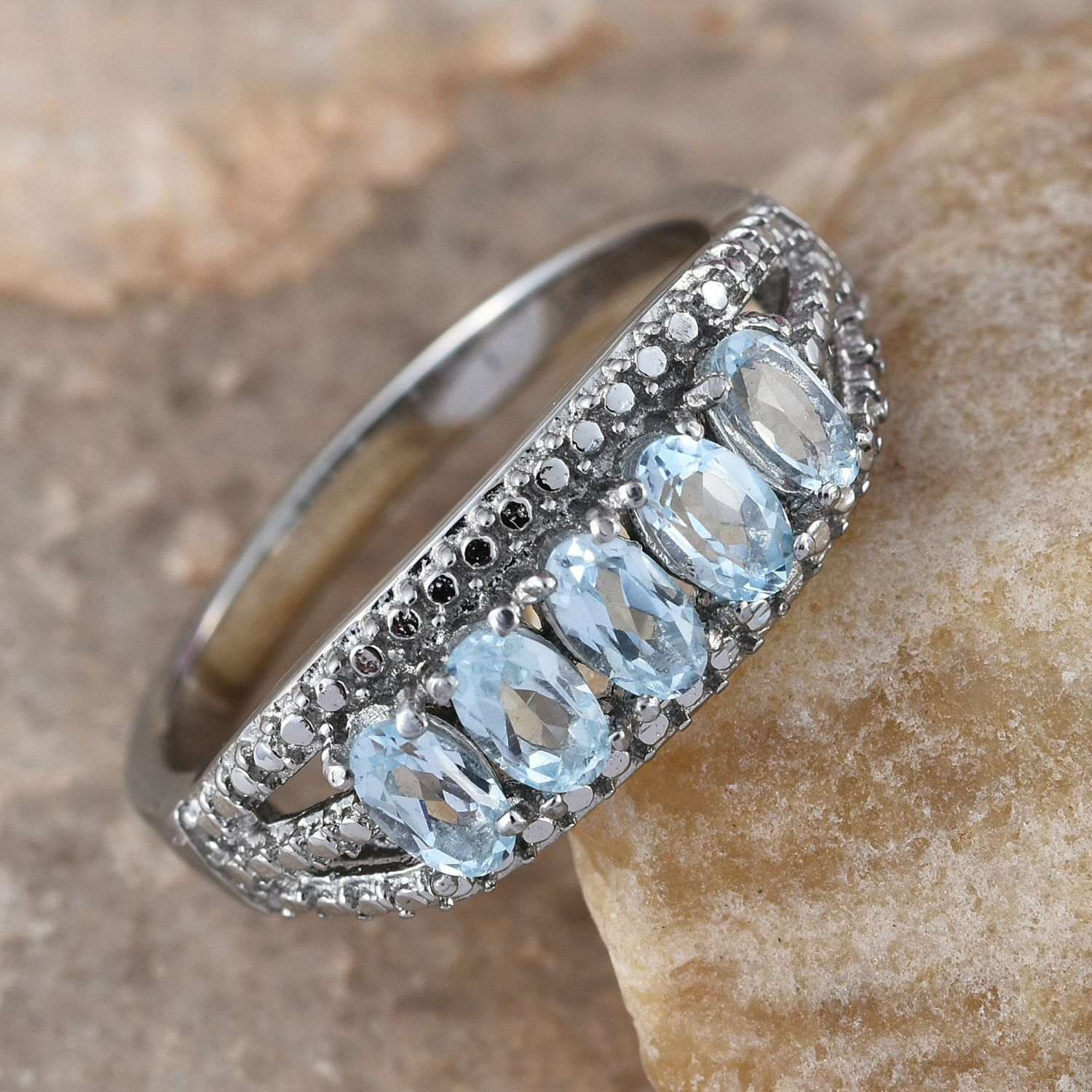 LADIES SKY blueE TOPAZ 5 STONE RING SIZE10