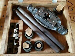 Vintage-Armstrong-Large-Threading-Die-Tool-Holder-SET-Genuine-R-3-4-Erie-PA