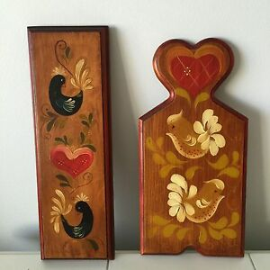 Vintage-Wood-Tole-Painted-Wall-Plaques-Birds-Hearts-Hangers-Hangings-Rosemaling