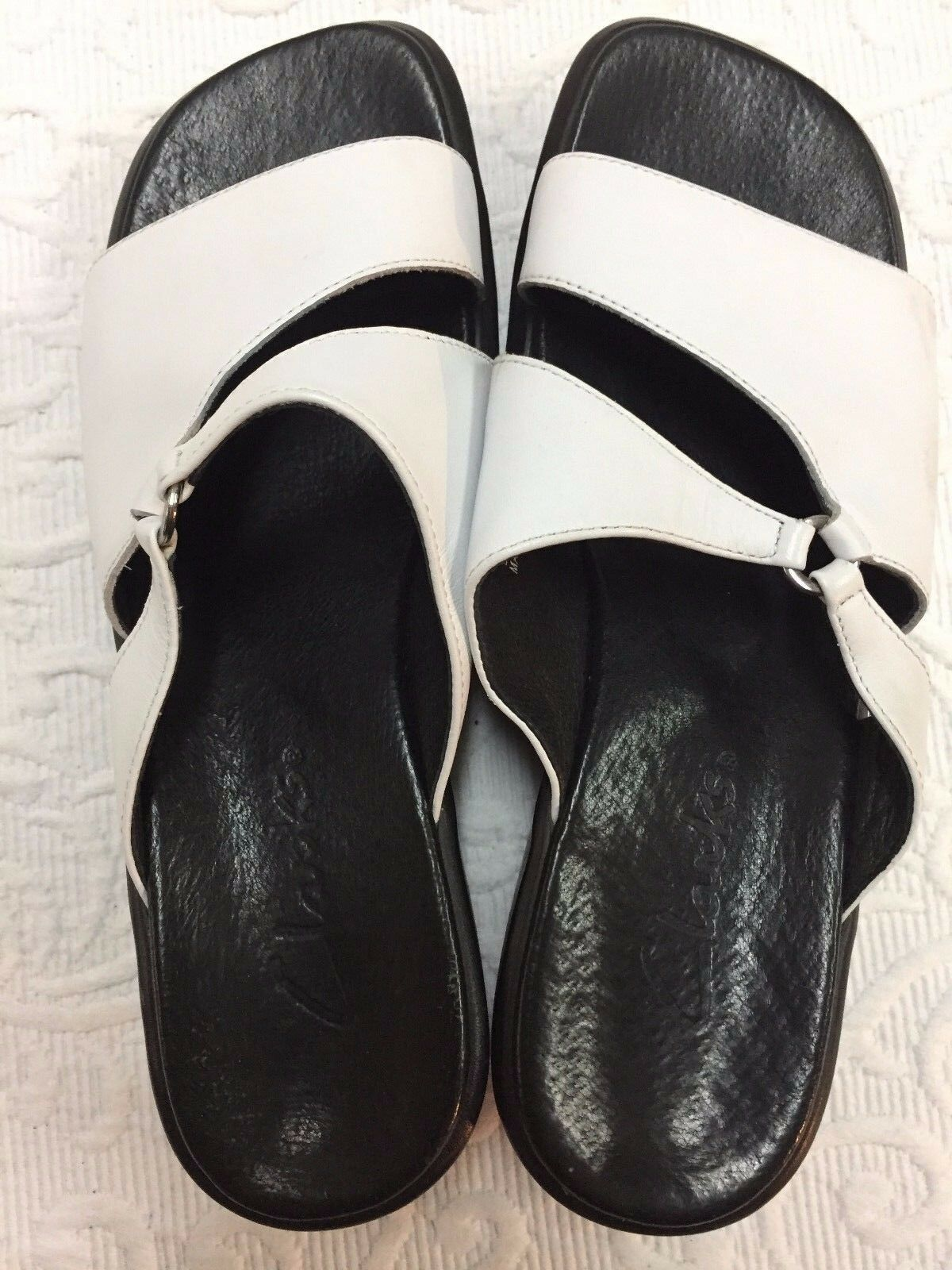 Mr/Ms Slides Clarks 7M White Leather Slides Mr/Ms Modern and elegant fashion Bright colors As of the latest model 621739