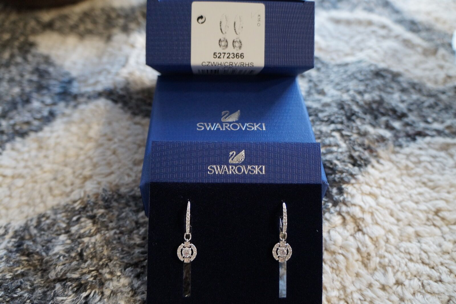Swarovski 5272366 Sparkling Pierced Earrings NIB 100% Authentic