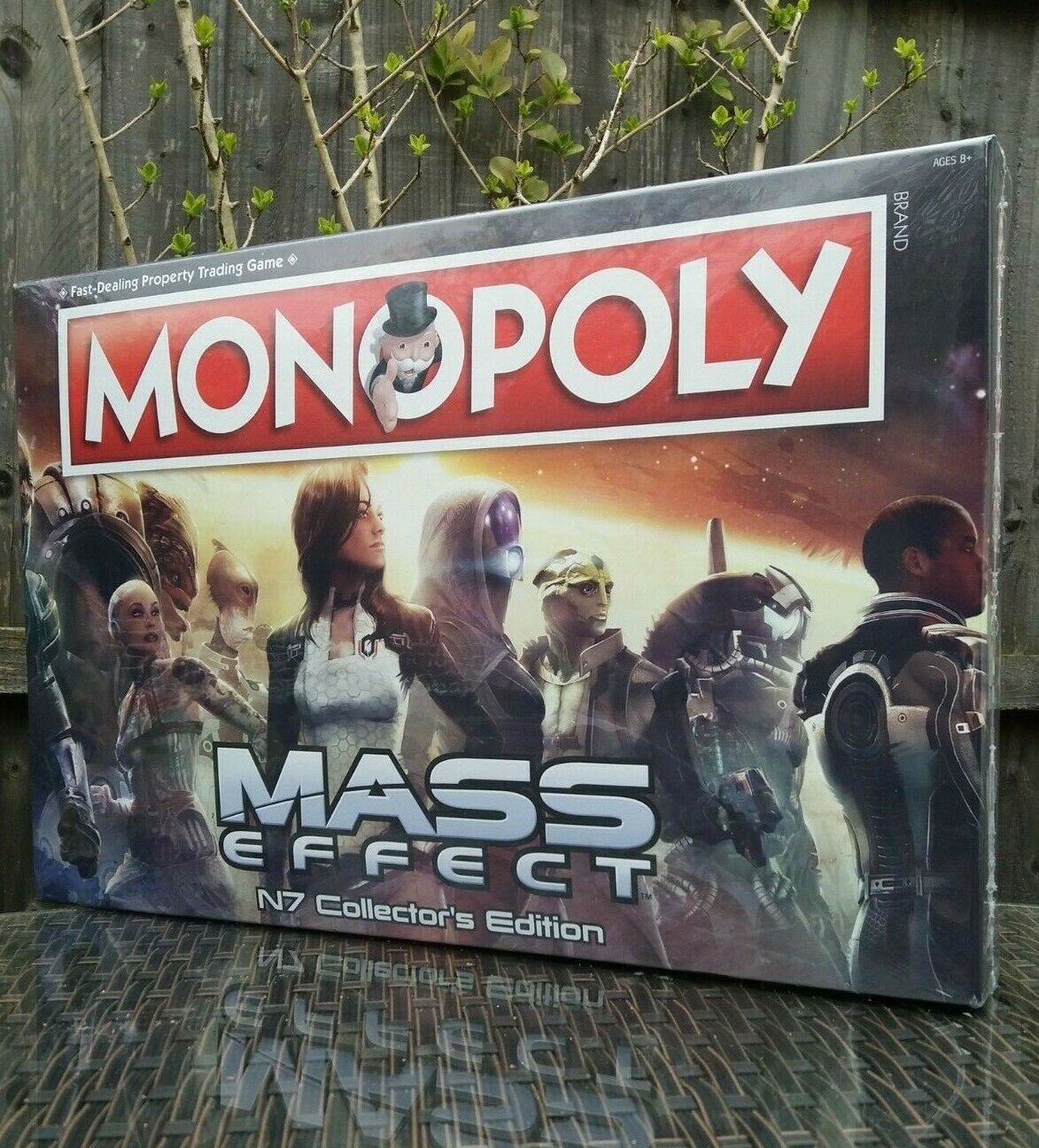 MONOPOLY MASS EFFECT N7 COLLECTORS EDITION BRAND NEW & SEALED