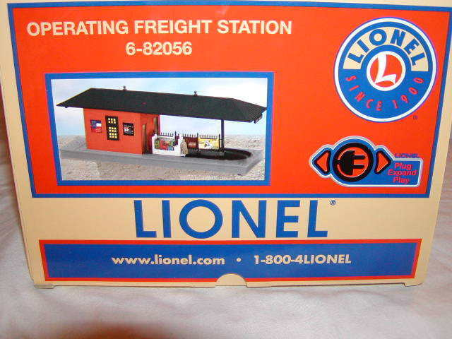 Lionel 6-82056 Operating Freight Station New 2018 O 027 MIB Plug Expand Play