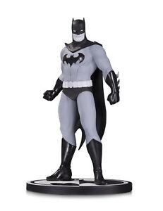 Dc-Comics-Batman-Noir-et-Blanc-Series-Batman-Statuette