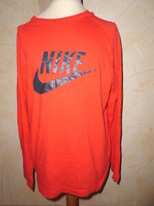 T-shirt-manches-longues-NIKE-Taille-10-12-ans