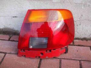 Rückleuchte rechts Audi A4 B5 Limousine Rücklicht rot gelb 8D0945096