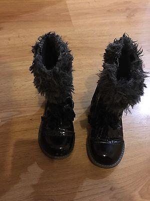 Niñas Negro Botas De Patente De al tamaño 6 Infantil