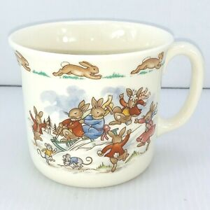 BEATRIX-POTTER-Cup-BUNNYKINS-Sledding-ROYAL-DOULTON-BONE-CHINA-ENGLAND-SNOWMAN