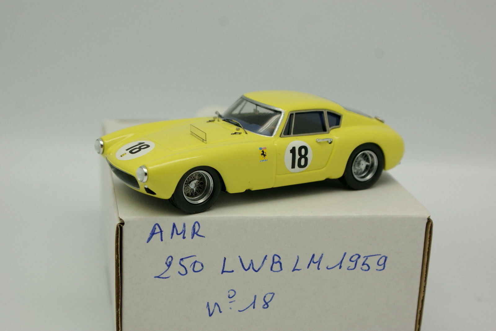 AMR kit assembled 1 43 - ferrari 250 lwb le mans 1959 n º 18