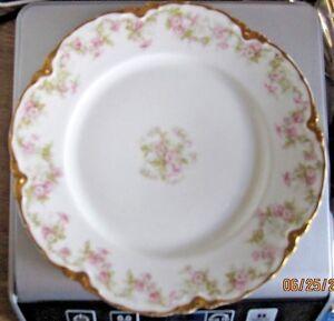 Haviland & Co. Limoges Scalloped Plate Pink Rose Gold trim. Haviland France