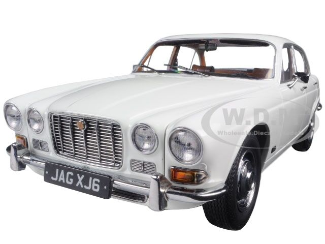 1971 JAGUAR XJ6 SERIES 1 2.8 ENGLISH WHITE 1/18 DIECAST CAR BY PARAGON 98301