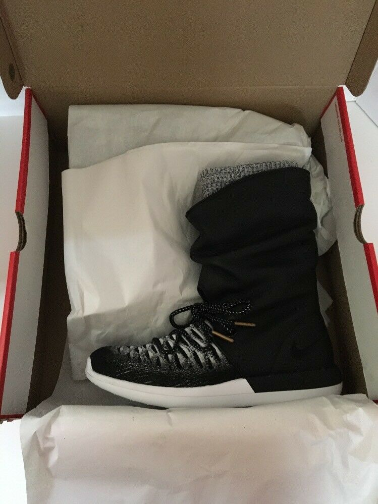 Nike Roshe Two Hi Flyknit Water Repellent Sneaker Boot Sz 6 US 861708-002