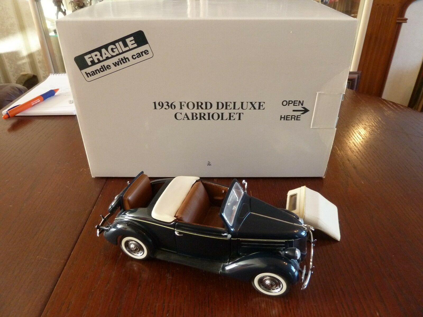 1936 FORD DELUXE CABRIOLET CONgreenIBLE by DANBURY MINT DIECAST MODEL 1 24 SCALE