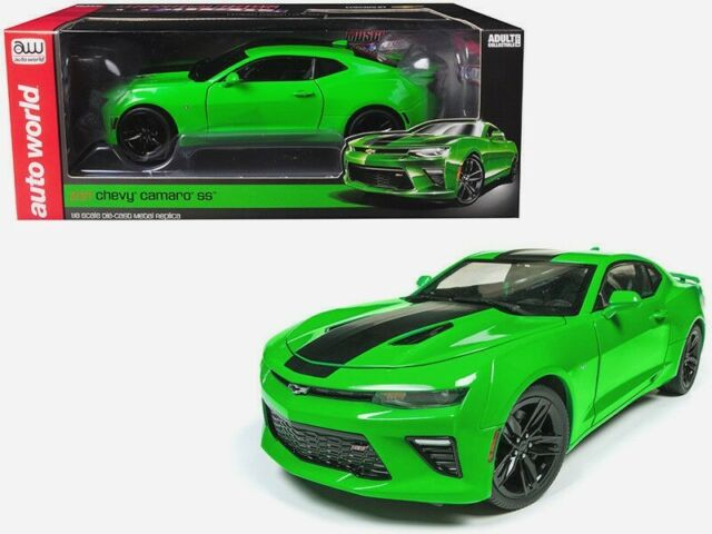 Autoworld 1 18 2017 Chevrolet Camaro Ss With Stripes Cast Model Green Aw244