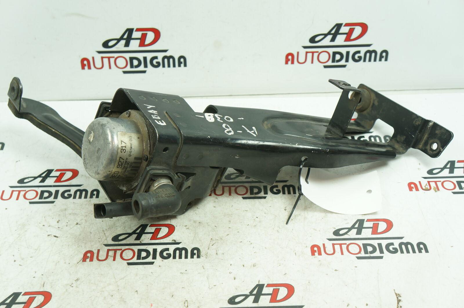 AUDI A8 (4D2, 4D8) Freno Bomba de vacío con el soporte 8E0927317 4D0614143