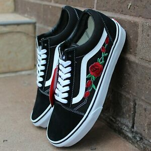 Détails : Vans Black Old Skool Red Rose Custom Handmade Shoes By Patch Collection