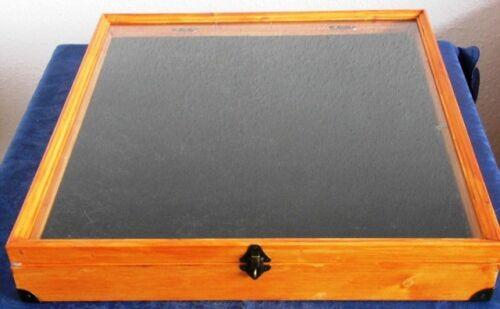 Einen abschließbaren Schaukasten Vitrine,Verkaufsvitrine,Flohmarkt ca:50X50 cm M