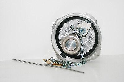 Non Locking Screw In Fuel Petrol Diesel Cap Fits VW TOUAREG 2002/>
