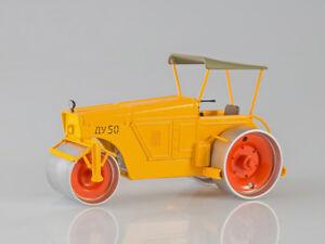 Scale-model-1-43-Self-propelled-roller-DU-50
