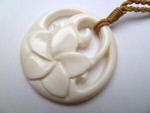Hawaii-Schmuck-Blume-Buffalo-Knochen-Geschnitzte-Anhaenger-Halskette-Halsband-35369