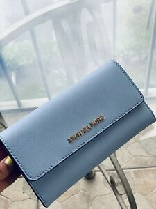 13f860a8551e7a NWT MICHAEL KORS JET SET TRAVEL LEATHER LARGE TRIFOLD WALLET IN PALE ...