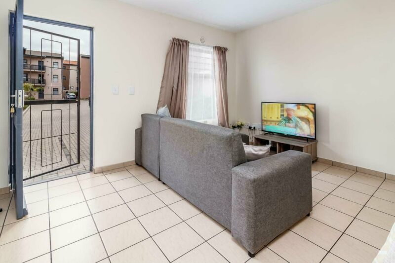 GROUND FLOOR APARTMENT FOR SALE