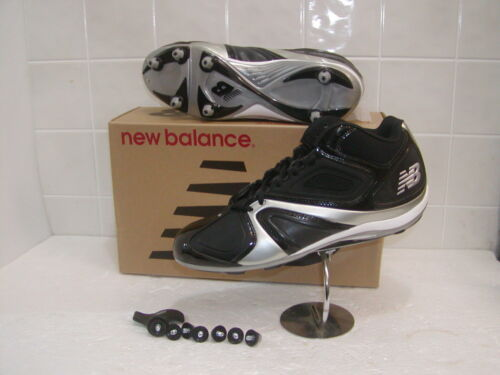 Football shoe low-cut  Black and Grey-replaceable screw-in cleats-key included