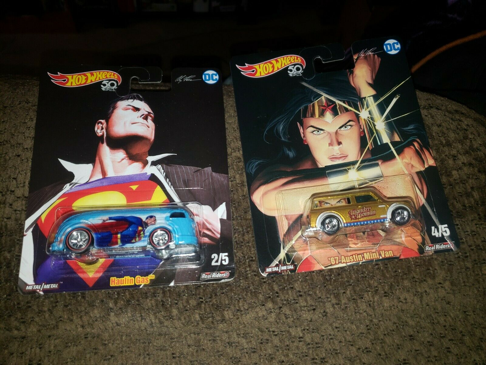 Hot Wheels Pop Culture DC Comics Superman HAULIN/' GAS FKY26 non-mint card