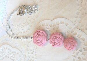 Collier-Trio-de-FLEURS-en-Fimo-Fleur-Rose-Top-idee-cadeau-unique-sachet-offert